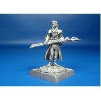 Молодой маг Пирс, оловянная миниатюра для игры Pathfinder и Dungeons & Dragons