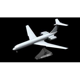 Советский пассажирский самолет Ильюшин 62М 4